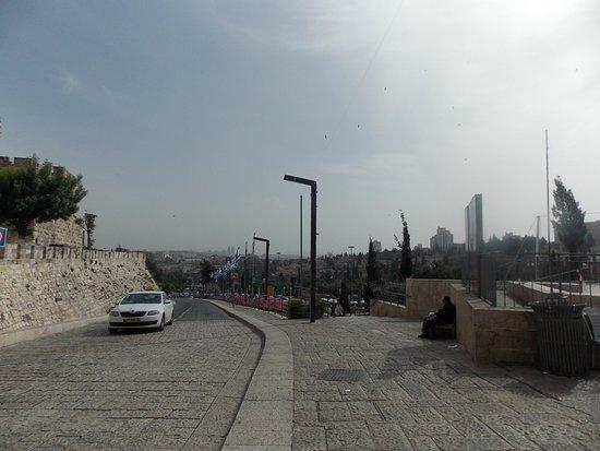 Puerta de Jaffa (Bab al-Khalil): Vista de Jerusalem, saliendo de la puerta de Yafo