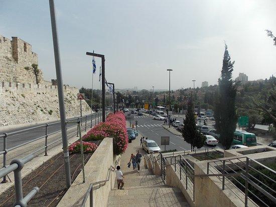 Puerta de Jaffa (Bab al-Khalil): Otra vista tomada a la salida