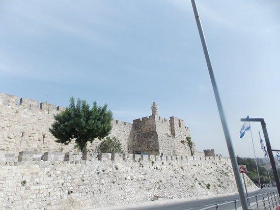 Puerta de Jaffa (Bab al-Khalil): Vista de la Torre de David