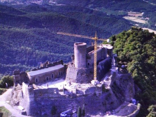 Castell de Montsoriu: imagen del castillo a vista de pájaro