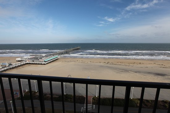 Best Western Plus Sandcastle Beachfront Hotel: Oceanfront View From All Rooms