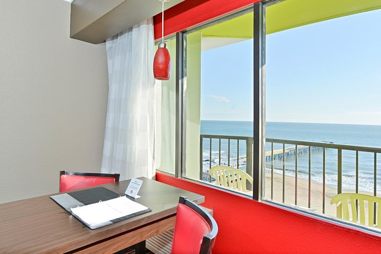 Best Western Plus Sandcastle Beachfront Hotel: Oceanfront Views from All Rooms
