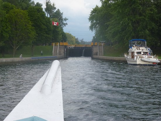 Peterborough Lift Lock: Approaching First Lock On Tour