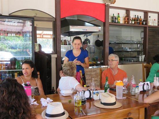 Aguacate, Costa Rica: service