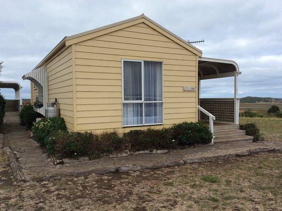 Koroit, Australia: Side view of cottage
