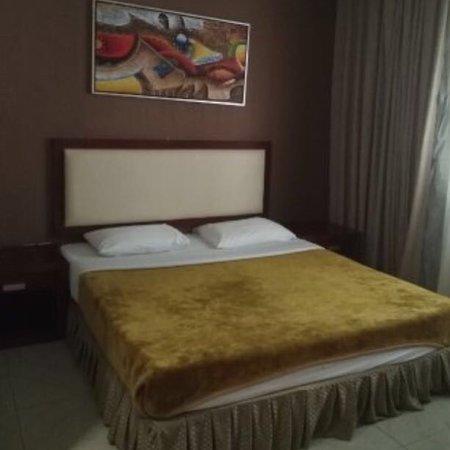 Crystal Plaza Hotel Sharjah: Suit room