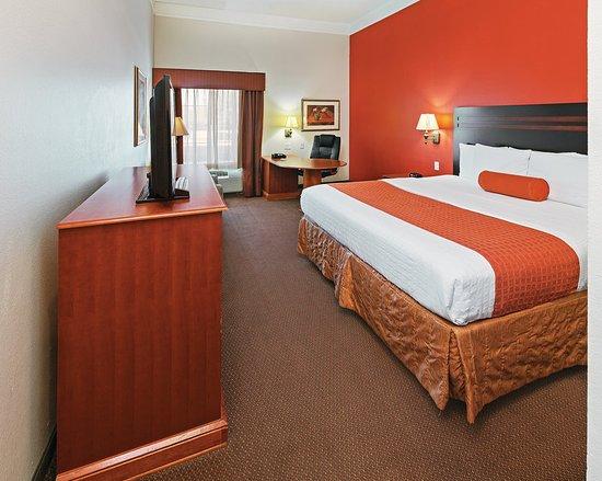 La quinta inn suites i 20 longview south tx review for Media room guest bedroom