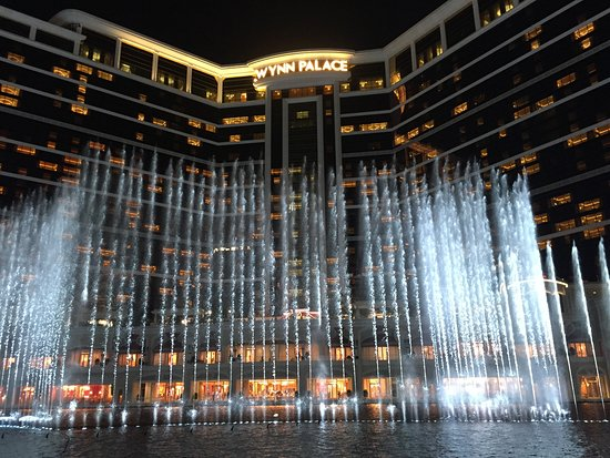Performance Lake at Wynn Palace