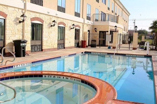 Floresville, TX: Pool