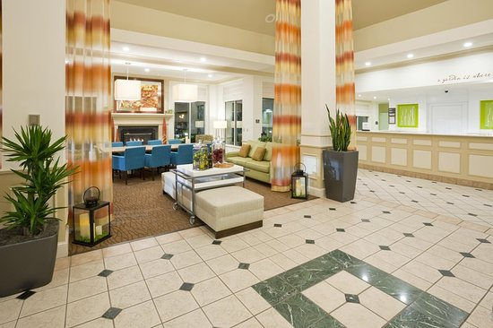 Shoreview, MN: Lobby