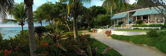 Hopewell, Jamaica: Exterior