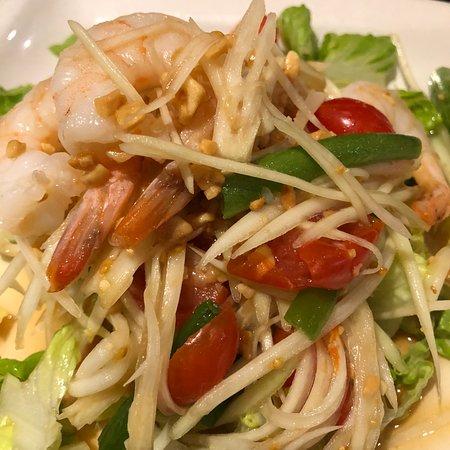 Burke, VA: Green papaya salad with shrimps