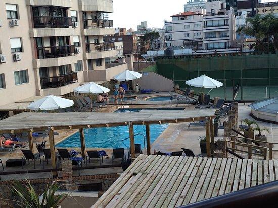 Golden Beach Resort and Spa: desde nuestra habitación se veían las piscinas