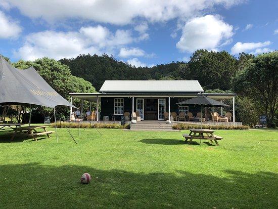 Isola Waiheke, Nuova Zelanda: The Cellar Door