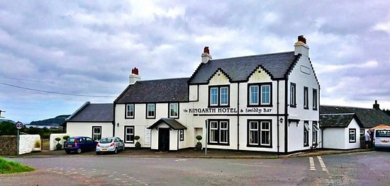 Kilchattan Bay, UK: Kingarth Hotel and Smiddy Bar