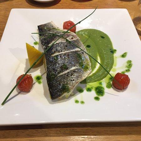 Random Hall Restaurant: photo0.jpg