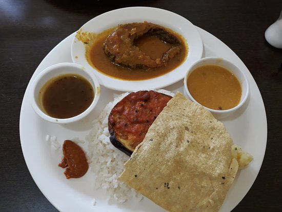 Sohra, India: Fish thali