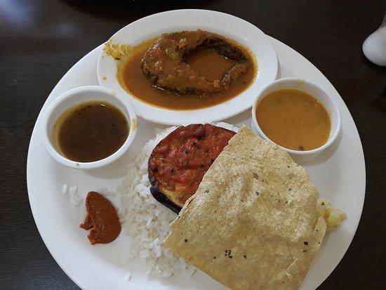 Sohra, Hindistan: Fish thali