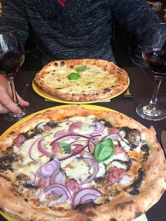 Vos: Pizza Aristocratica et Pizza Quattro Formaggi