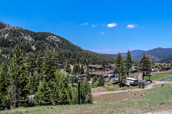Squaw Valley | Alpine Meadows | Lake Tahoe Ski Resorts