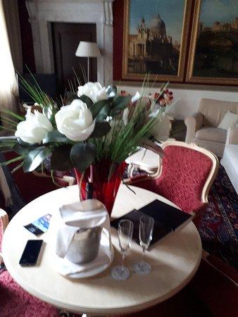Voyage d'anniversaire de mariage dans un magnifique hôtel au charme vénitien.