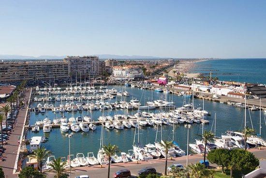 C 39 est au port de st cyprien que vous pouvez nous trouv photo de st cyprien plage saint - Agence du port saint cyprien ...