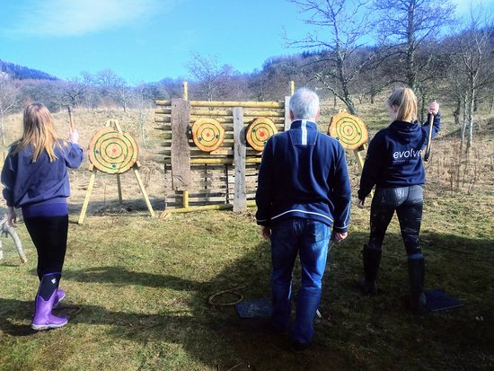 Comrie, UK: Axe Throwing