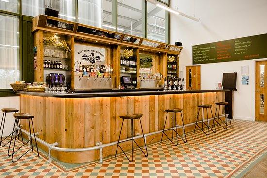Yattendon, UK: The Bar