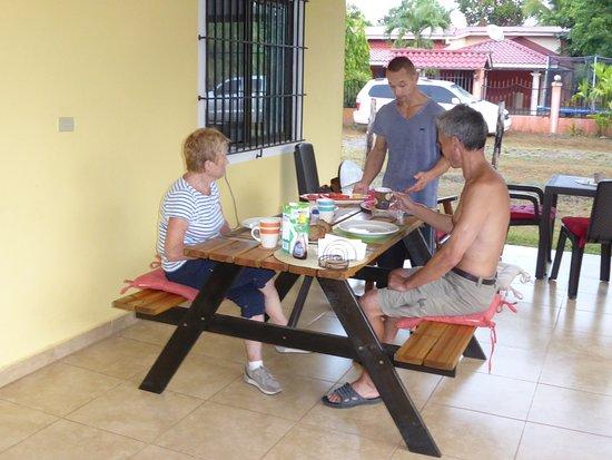 Las Lajas, Panamá: Frühstück auf der Terrasse