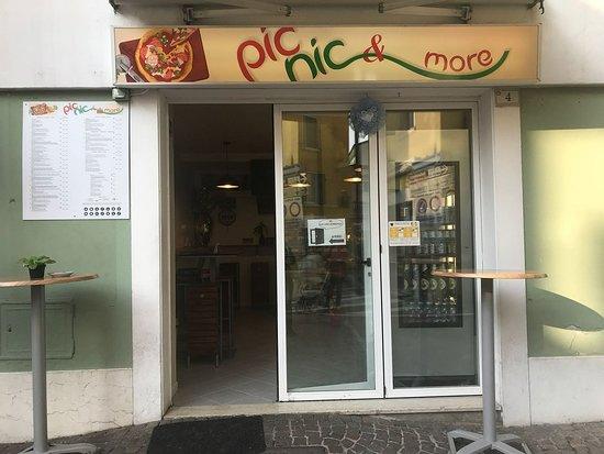 Nago-Torbole, Itália: PicNic & More