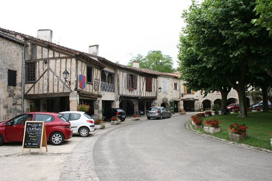 Fources, France: The Mediaeval houses