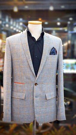 Grey Textured Fabric   Peak Lapel   Pick Stitch   Silk Knot