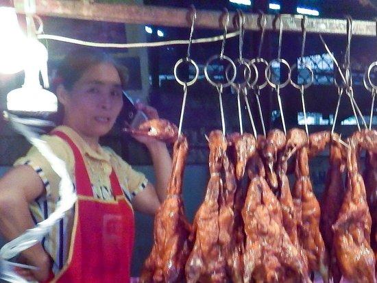Night Food market: Roast duck = delicious.