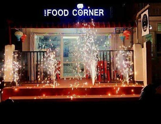 Mogok, Myanmar: Fastfood Corner