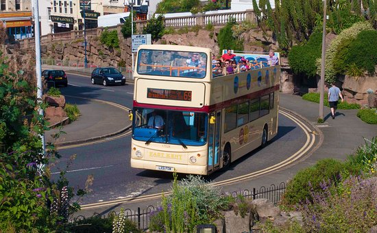 Broadstairs, UK: Open top bus, route 69