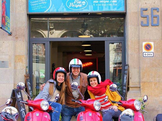 Calle princesa via vespa barcelona picture of via - Calle princesa barcelona ...