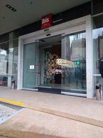 Ibis Bogota Museo: IMG_20180405_170505_large.jpg