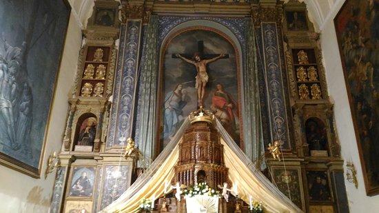 San Fratello, Italia: L'altare