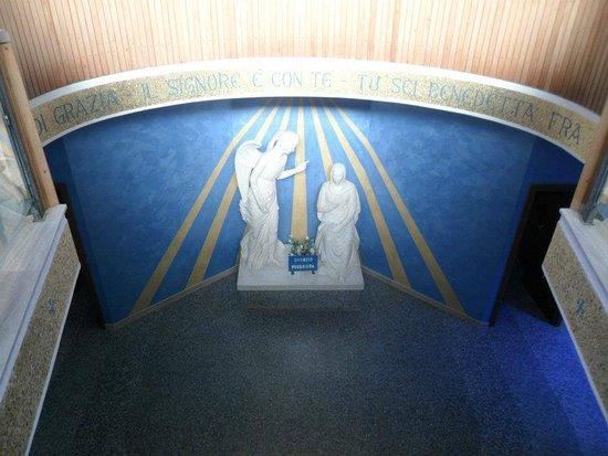 Santuario della Madonna di Lourdes: Interno chiesa