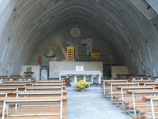Santuario della Madonna di Lourdes: Grotta