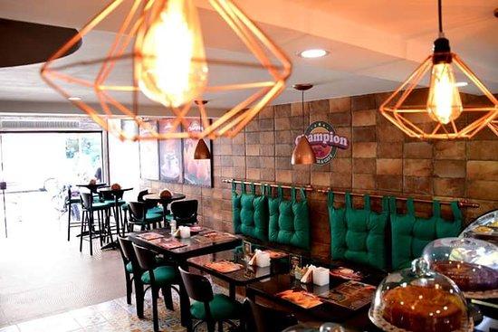 Champion Empada Cafe Macae Ulasan Restoran Tripadvisor
