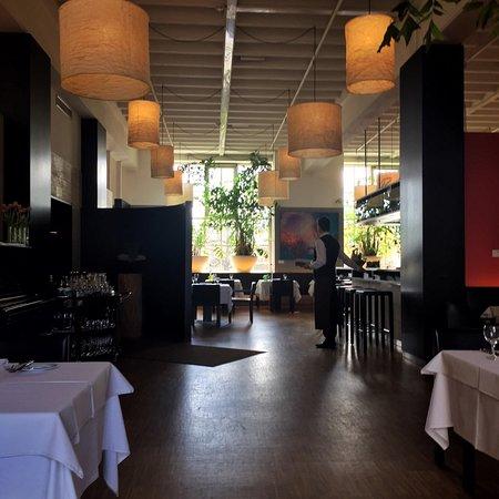 magnolia restaurant im glaspalast augsburg restaurant bewertungen telefonnummer fotos. Black Bedroom Furniture Sets. Home Design Ideas