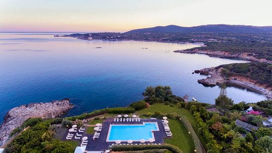 Vista panoramica piscina e spiaggia Hotel dei Pini Alghero