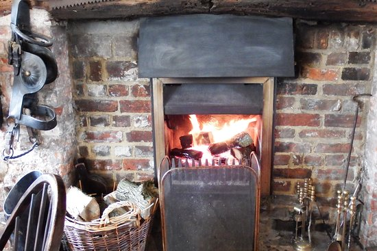 Sutton Scotney, UK: A very warm welcome