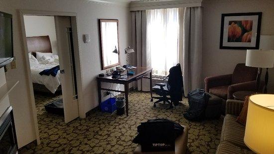 Hilton Garden Inn Saskatoon Downtown: 20180405_161245_large.jpg