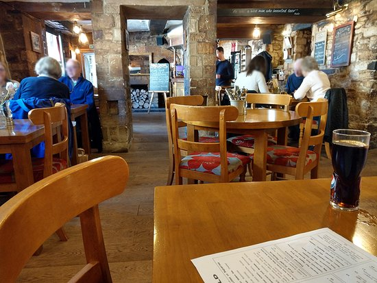 Cotswold Arms : Clean, bright, comfortable with good food.