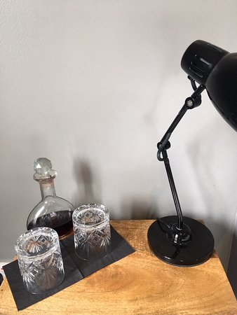 Ickham, UK: decanter of liquer in the bedroom