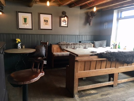 Ickham, UK: rustic and cosy dining area