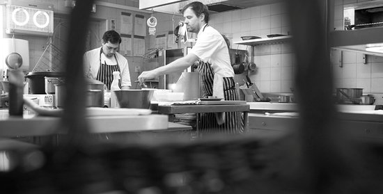 Harome, UK: Chefs at work