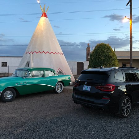 Wigwam Motel: Mattress was very comfortable, blankets and sheets were soft, hardly any noise from passing trai